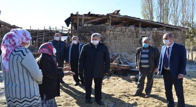 Başkan Özkan Altundan ahırı yanan aileye geçmiş olsun ziyareti