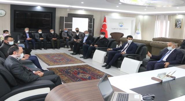 AK Parti Kayseri Milletvekili İsmail Karayel Yahyalı Belediyesini ziyaret etti