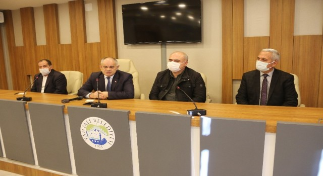 Başkan Öztürk pazarcı esnafıyla toplantı yaptı