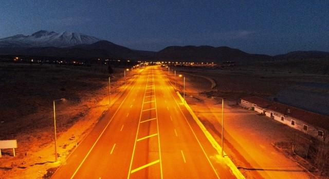 Develi - Erciyes yolu aydınlatma çalışmasının ilk etabı tamamlandı