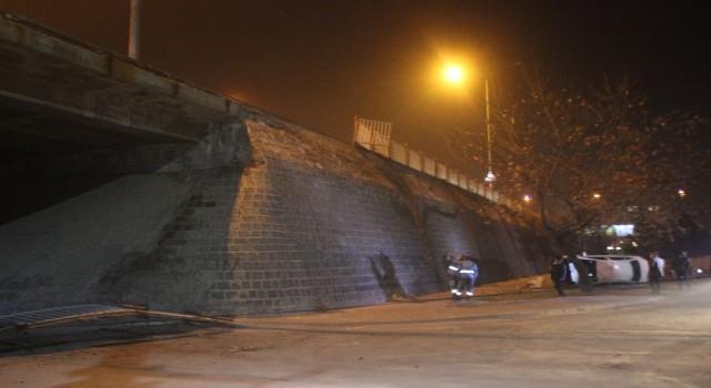 Kayseride otomobil köprüden uçtu: 3 yaralı