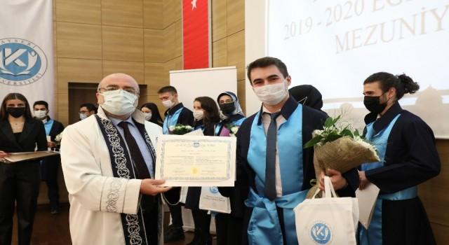 KAYÜ ilk mezunlarına sembolik Mezuniyet ve Şed Bağlama Töreni düzenledi