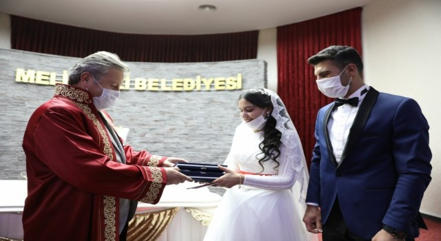 Melikgazi nikahta 21. yüzyılın 21. yılının 21. günü yoğunluğu