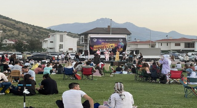 Talasta Cumartesi sinema pazar konser