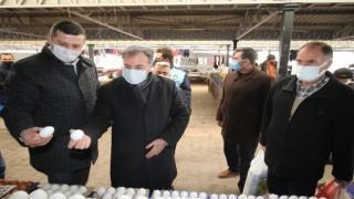 Başkan Özdoğan ilçe pazar esnafını ziyaret etti