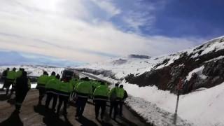 Altın madeni işçileri 15 TLlik zamma tepki için eylem yaptı