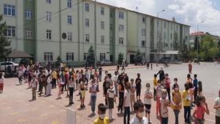 Hafızlık İmam Hatip Ortaokulları Giriş Sınavı 1820 adayın katılımı ile gerçekleştirildi