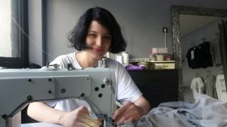 (Özel) 19 yaşındaki genç, kendi tasarımlarını internetten satarak dükkan açtı