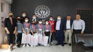 Şampiyonlardan Ali İhsan Kabakcıya ziyaret